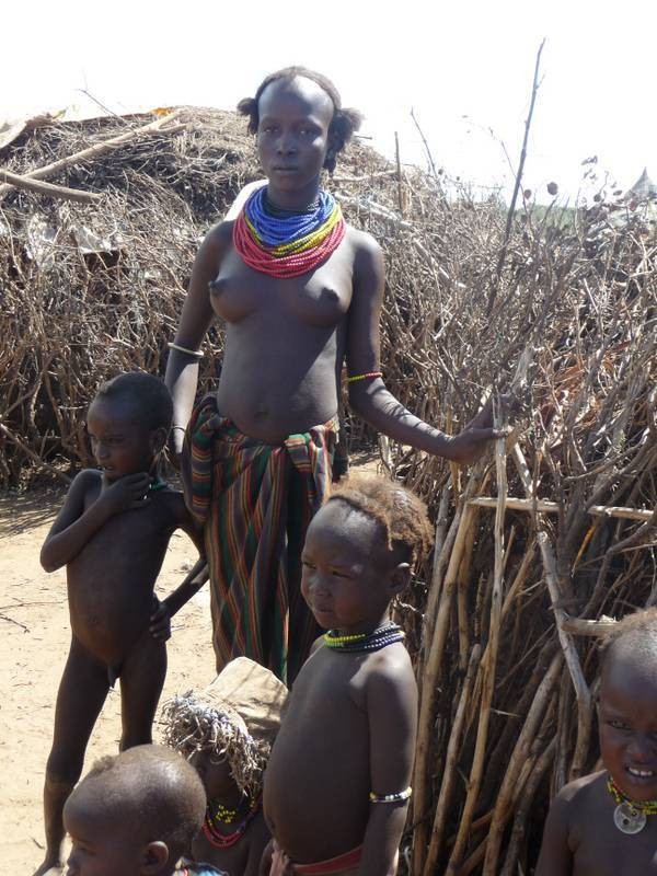 Dassanetch family in Omo Valley, Galeb tribe, South Ethiopia